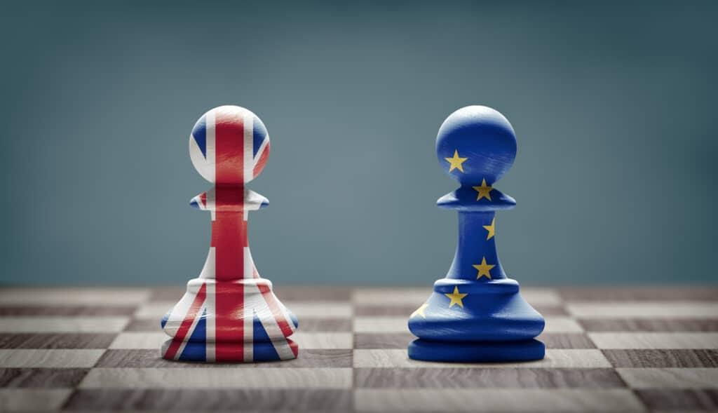 Checkpiece with UK and Europe flag